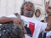Beppe Grillo: justice peace.