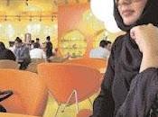 Come vestono donne Dubai