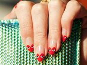 Coloriamo unghie come cuori Play Comme Garcons