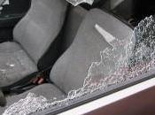 Atti vandalici finestrini rotti: italiano l'ha fatto
