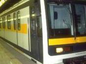 Milano: tenta violentarla metro