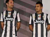 Juventus, maglie bianconere Nike 2012/13