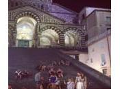 Amalfi: Jessica Alba posa davanti Duomo