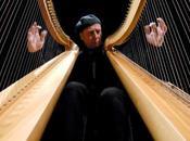 Peppe Barra accompagnato dall'Orchestra delle Arpe Viggiano chiude edizione della Rassegna dell'Arpa Viggianese