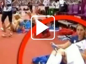 Atleta toglie mutandine pista (video)