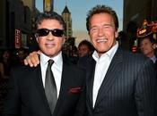 Sylvester Stallone, Arnold Schwarzenegger resto cast Mercenari alla premiere Angeles
