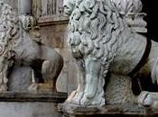 Circondata leoni