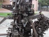 Uomo Sarajevo Riccione dello scultore marchigiano Giuseppe Gentili