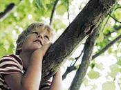 bambino bisogno recuperare contatto natura