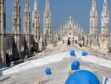 Avvistate chiocciole azzurre guglie Duomo