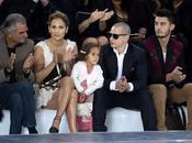 Jennifer Lopez alla sfilata Chanel famiglia