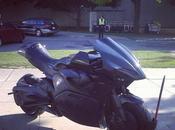 spettacolare motocicletta RoboCop
