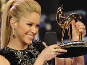 Shakira canta Waka panza
