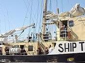 Pirati acque internazionali: veliero umanitario Estelle abbordato navi israeliane