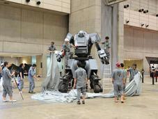 Giappone: vendita robot combattimento (video)