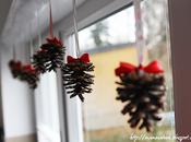 Natale: decorare pigne
