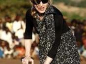 discusso impegno Madonna Malawi