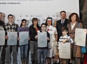 Italia consegna agli orfani terremoto avvenuto Emilia Romagna contributo sostenere loro formazione scolastica