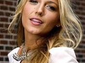 Blake Lively batte Rihanna nelle preferenze fashion lettori Daily Mail