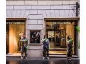 Greenpeace, guanti verdi contro moda Milano Palermo