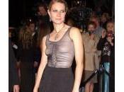 """Gwyneth Paltrow, vestito degli Oscar 2002: """"Avrei dovuto indossare reggiseno"""""""