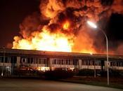 Incendio Olivetti: 'Non faremo seppellire dalla cenere'