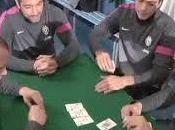 secondo video giocatori della Juventus giocano poker!