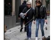 Roberto Cavalli passeggia fidanzata Lina suoi cani