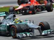 Rosberg: Mercedes doveva discutere prima degli ordini squadra
