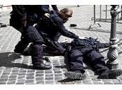 Governo insedia, Palazzo Chigi spara