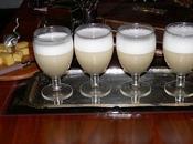Pisco sour cocktail origine peruviano famoso, noto grandi barman, anche molto semplice realizzare.