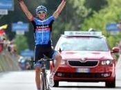Anche Navardauskas vince solitaria, Nibali corre rischi