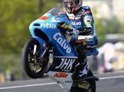 Moto3, Mans: Maverick Vinales aggiudica gara, settima posizione Fenati
