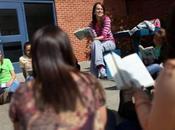 Bisogna avvicinare giovani studenti alla poesia?