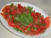 Filetti trota salmonata affumicata carpaccio rucola erba cipollina
