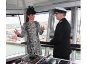 Kate Middleton inaugura nave: l'ultima uscita della duchessa prima parto
