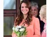 Kate Middleton prepara travaglio mangiando curry indiano
