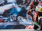 Bradl beffa Marquez, Rossi
