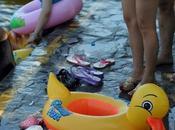 domenica piscina sopravvivere caldo Beijing