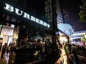 Shanghai Burberry festeggia trench