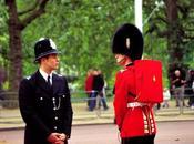 Sguardi fissi vicino Buckingham Palace piccola casa vacanza quel Londra