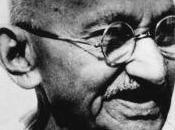 solidarietà attraverso occhi Gandhi