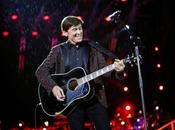 Gianni morandi live all'arena verona musica, sociale gaffe