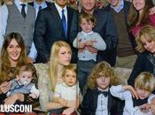 """""""Chi"""": festa (...e festino!) famiglia Berlusconi"""