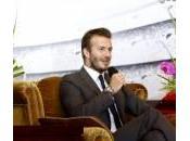 """David Beckham: surreale quando chiedono autografo"""""""