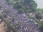 prima udienza Morsi l'Egitto cade pezzi..