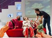 Tres arriva Bologna cast stellare. Regia Chiara Noschese