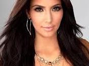 Kardashian scappa paparazzi