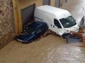 Sardegna indigna: aprono diga un'onda d'acqua metri arriva Olbia