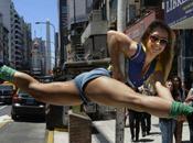 Sexy acrobatiche, concorrenti Miss Pole Dance 2013 sfidano strade Buenos Aires